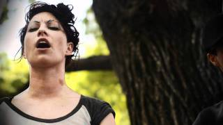 Amanda Palmer / The Dresden Dolls - Bad Habit [LIVE]