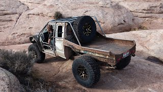 Roll Cage + 37'S on the Totaled Tacoma