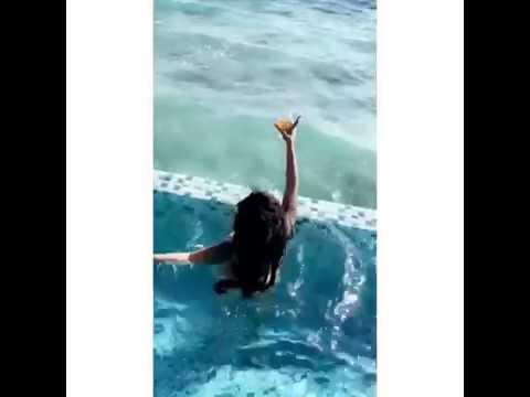 Vera Sidika Twerking Her Big Butt On a Pool.