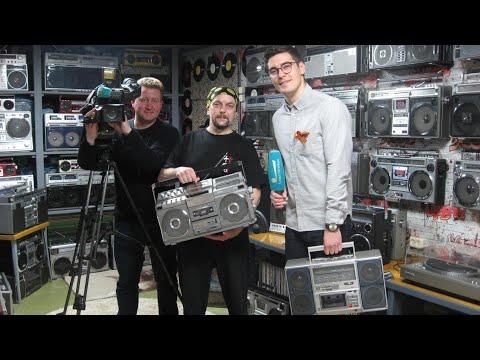 """Телеканал """" Санкт-Петербург """" побывал на экскурсии в музее кассетных магнитол 70-80х"""