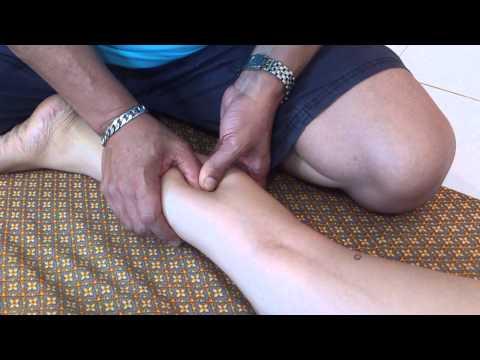 การนวดด้วยแบน valgus เท้าผิดปกติในเด็ก