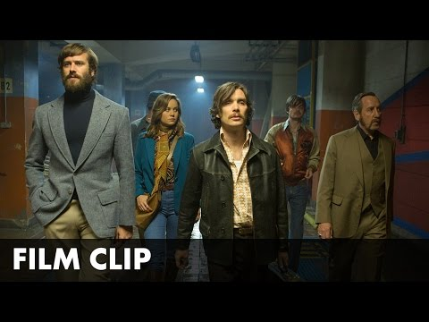Free Fire (Clip 'Outside Warehouse')