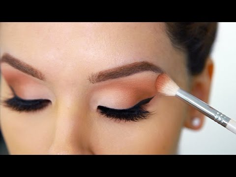 , title : 'How to Apply Eyeshadow PERFECTLY (beginner friendly hacks)'