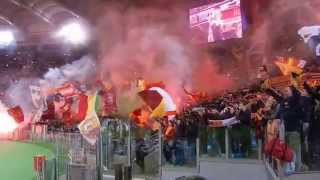 preview picture of video 'Inno Roma Roma Roma dalla Tribuna Montemario in Roma-Manchester City (Champions League 10-12-14)'