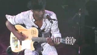 KEZIAH JONES - CURIOUS KINDA SUBCONSCIOUS - LIVE AT GRAND REX PARIS, FRANCE