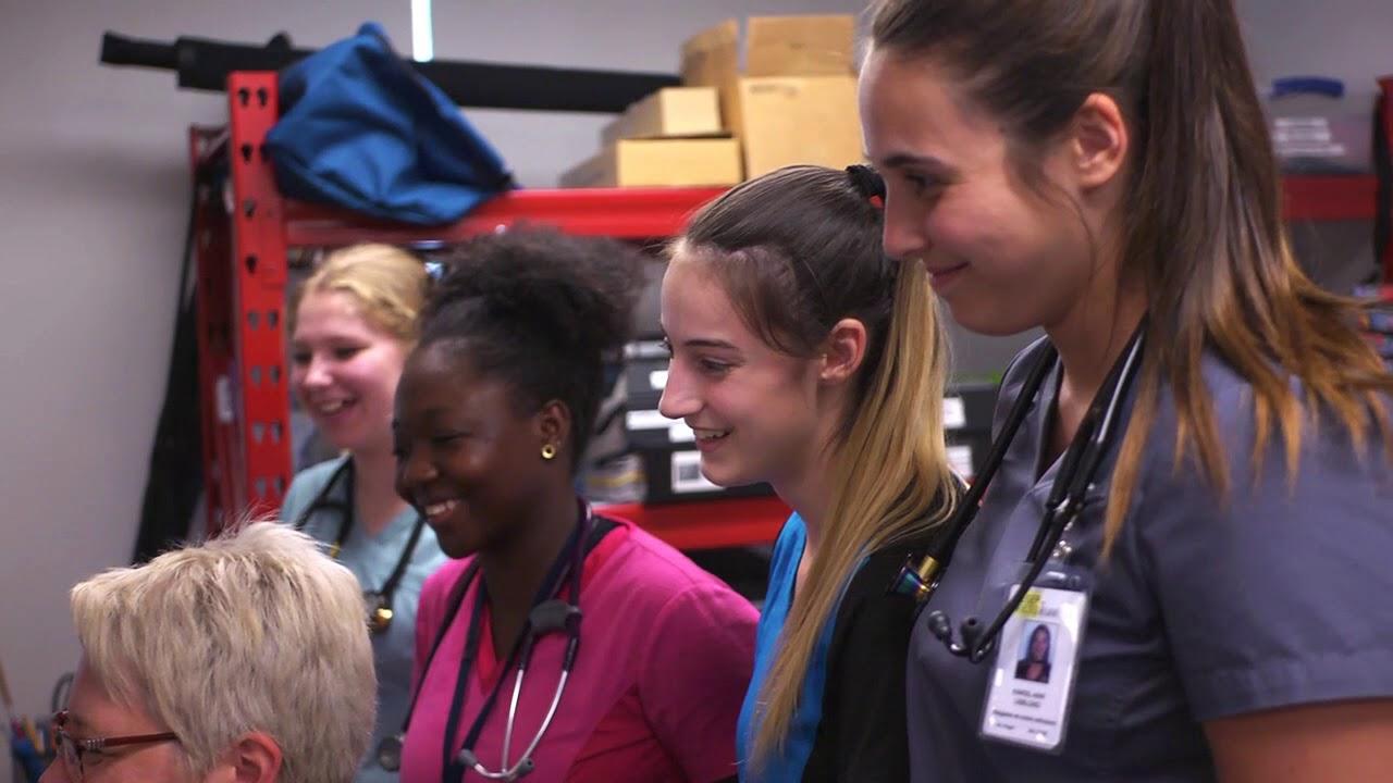 Jouer la vidéo Soins infirmiers