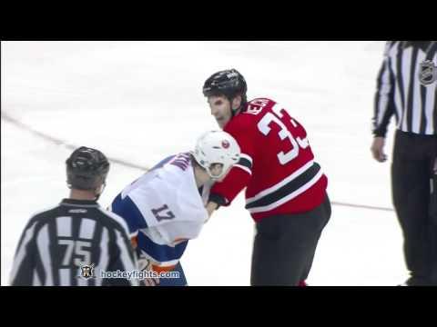 Matt Martin vs Jay Leach