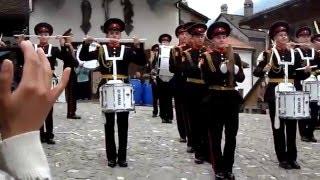 Выступление суворовцев в замке Грюер.Швеицария.