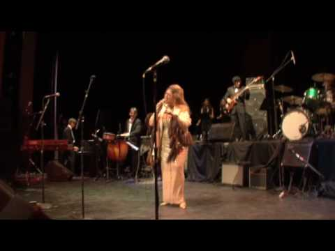 Brief excerpt from Motown R&B Concert - Bonnie VanBuskirk sings Respect, January 2010