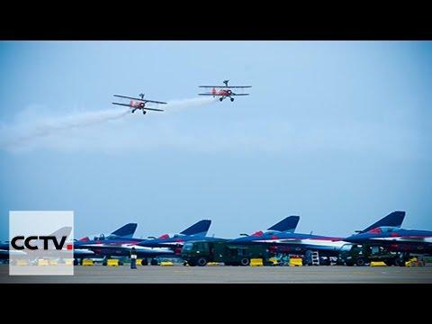 Se estrenan aviones de combate, drones y otros equipamientos