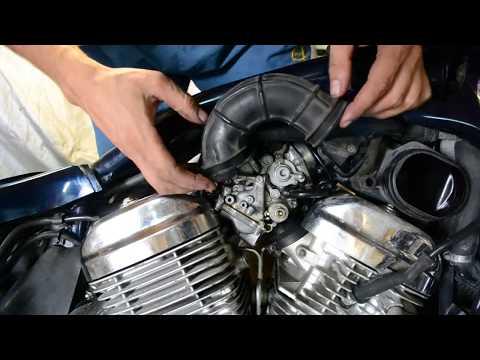 Устанавливаем карбюраторы на Хонду Стид и рассуждаем о ремонте мотоциклов.