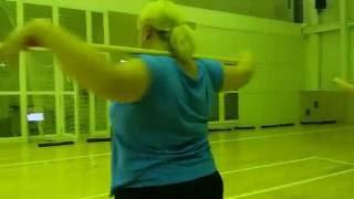 Упражнения для красивой осанки с гимнастической палкой
