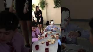 Пообедал бл**ь!!! (Прилетел торт в лицо!)
