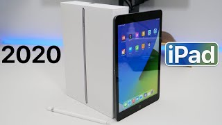 Apple iPad 10.2 (2020) - Unboxing, Comparison and First Look