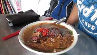 preview picture of video 'Pasar Air Itam Laksa, Food Hunt, P2, PHv1, P17, Gerryko Malaysia'
