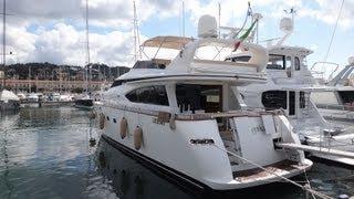 preview picture of video 'Yachtüberführungen by Navismare | La Spezia - Livorno  | Motoryacht'