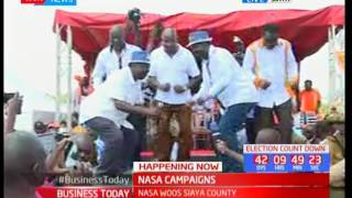 Siaya residents warmly welcome NASA flag-bearer Raila Odinga as he leads ODM campaign