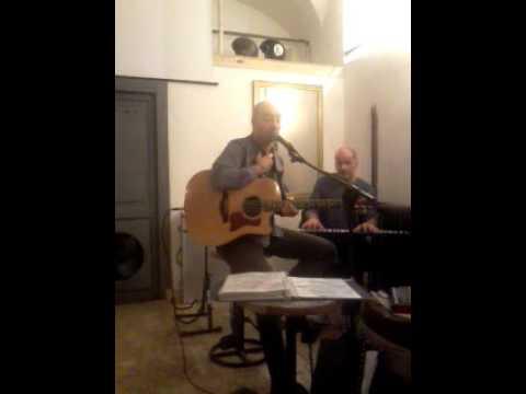 Mauro Salvetti CANTANTE - CHITARRISTA Roma musiqua.it