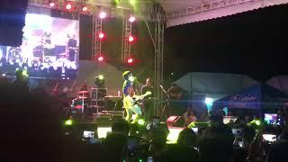 Hanggang Kailan (Umuwi ka na baby) by Orange and Lemons  Live at UP Los Banos Fair
