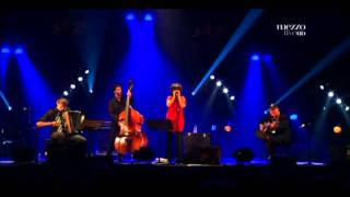 Youn Sun Nah- Jockey Full Of Bourbon @ Les Pommiers 2011 HD