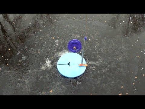 Рыбалка на жерлицы. Окунь на мормышку. Первый лёд