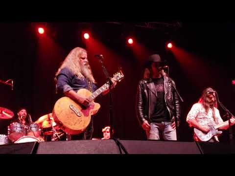 Cody Jinks  and Jamey Johnson - Are The Good Times Really Over (2/28/2019) Huntsville,  AL
