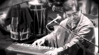 "Video thumbnail of ""Jagjit Singh Live   Sunte Hain   Pakistan 1979   Digitally Remastered"""