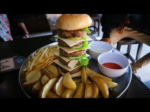 Video PECAHIN REKOR 10 MENIT !! | BURGER JUMBO Dino Steak | Godzilla Challenge