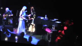 Rickie Lee Jones sings Third World Man by Steely Dan
