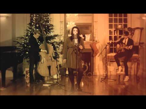 Caro Emerald - Close To Me (Acoustic)