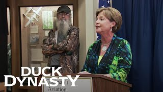 Duck Dynasty: Si is Honored for His Military Service (Season 8, Episode 2) | A&E