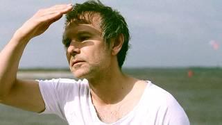 Умиротворенный Святослав Вакарчук после Стэнфорда снялся в своем первом fashion-фильме