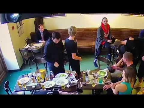 Кокорин и Мамаев до удара стулом Пака