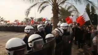 preview picture of video 'ثورة البحرين : مسيرة تتجه نحو الديوان الملكي 11/3/2012'