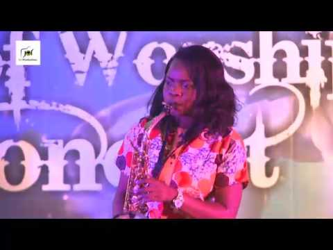 Funmi Sax ministering @ Art of worship 2015.