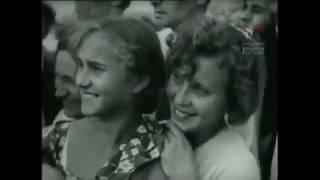 День авиации - 18 августа 1937 год. . Воздушный парад в Тушино под Москвой.