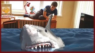 ☀АКУЛА АТАКУЕТ BABY ☀ATTACK SHARK IN THE HOUSE BABY PRANK