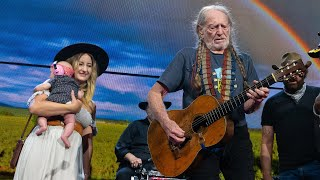Willie Nelson & Family - It's Hard to Be Humble (Live at Farm Aid 2019)