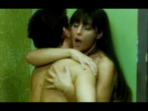 Monica Bellucci sesso video porno gattino