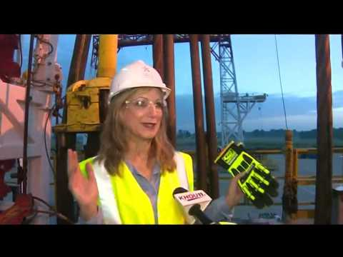 Life on the oil rig: Training for good paying jobs