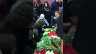 تحميل و مشاهدة الصلاة على جثمان الفنانة الكبيرة ريم البنا Rim Banna MP3
