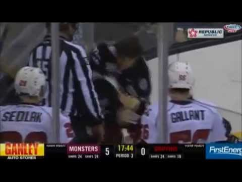 Justin Falk vs. Louis-Marc Aubry