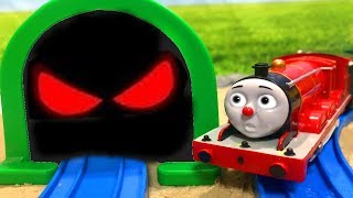 Thomas & Friends Toy Ghost Trains Story!きかんしゃトーマス