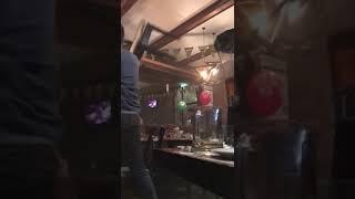 Драка в баре. Вилки, стулья, топоры)