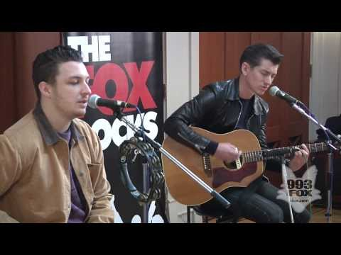 Arctic Monkeys - I Wanna Be Yours (Fox Uninvited Guest)