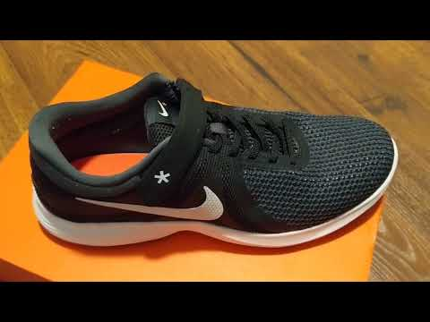 Unboxing Nike Revolution 4 FlyEase