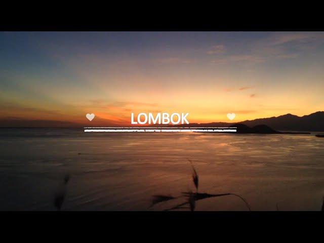 sportourism.id - Saat-Seorang-Jilbaber-Menikmati-Pantai-Lombok