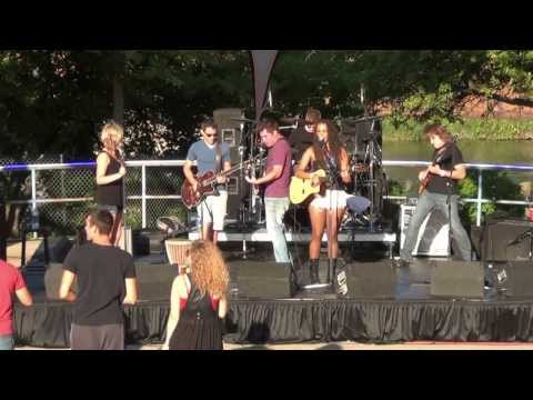 Taylor Taylor - (Cover) Too Close @Common Ground Music Festival