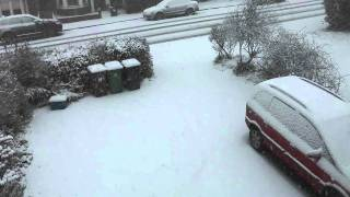 preview picture of video 'Snow in Potters Bar, 18/12/2010'