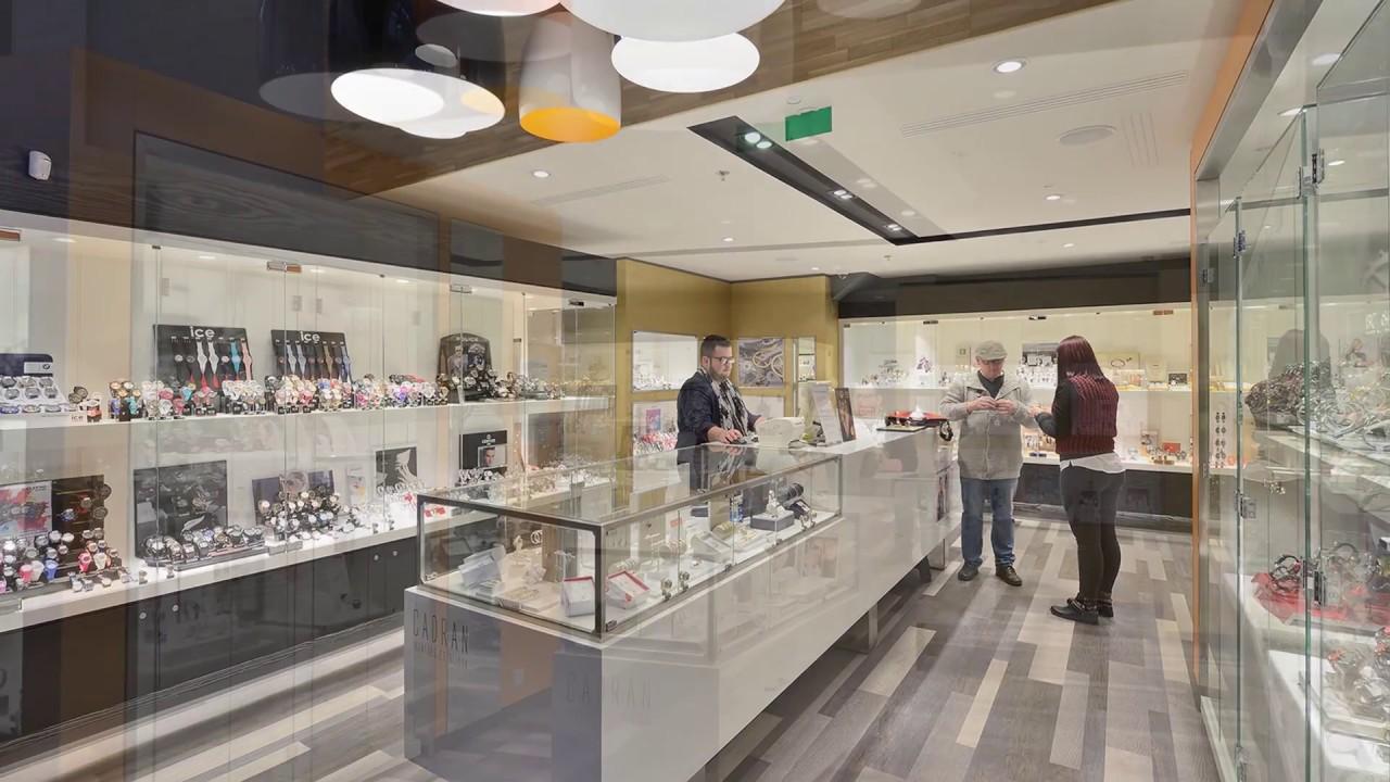 Winkelinrichting juwelier inspiratie wsb interieurbouw for Kapsalon interieur te koop